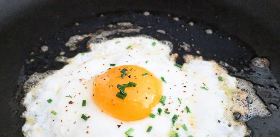 [RECIPE] Fried eggs with extra virgin olive oil